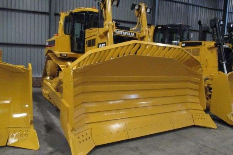 Caterpillar CAT D8R Dozers