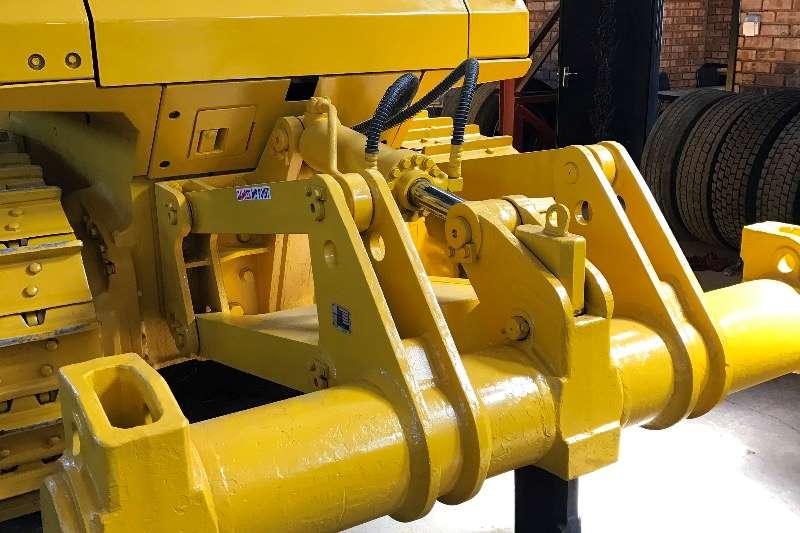 Komatsu D65EX 15 Dozers