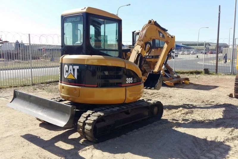 Caterpillar 305 Re-Furbished; All Pins & Bushes Done; Pipped Excavators
