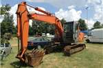 Excavators Hitachi 2004