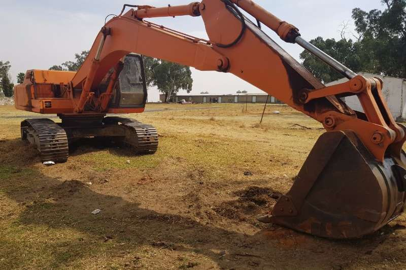 Hitachi FH220 (22t) Excavators