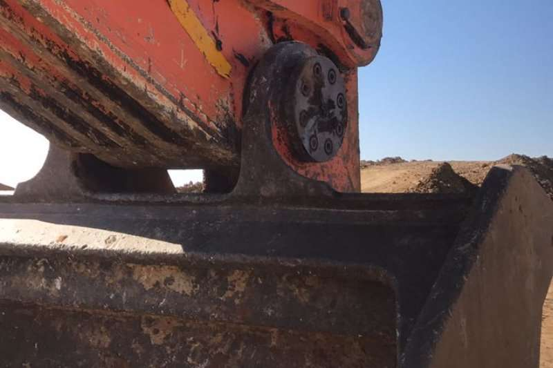 Hitachi ZAXSIS 670 LCR Excavators