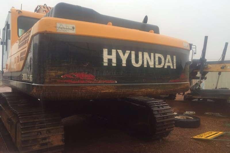 Hyundai 300LC 95 Excavators
