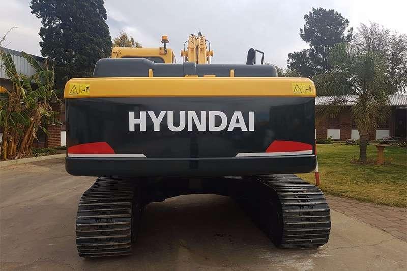 Hyundai R220LC-9SH Excavators