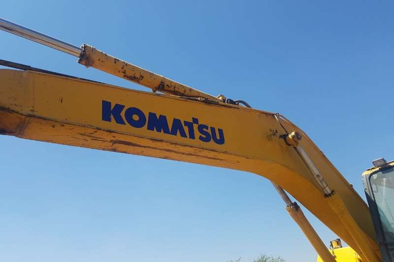 Komatsu PC200-7 Excavators