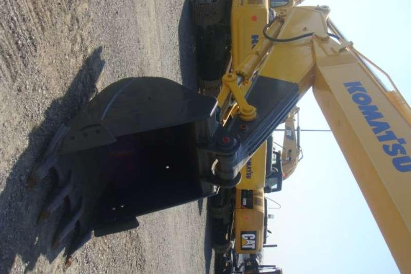 Komatsu PC220-7 Excavators