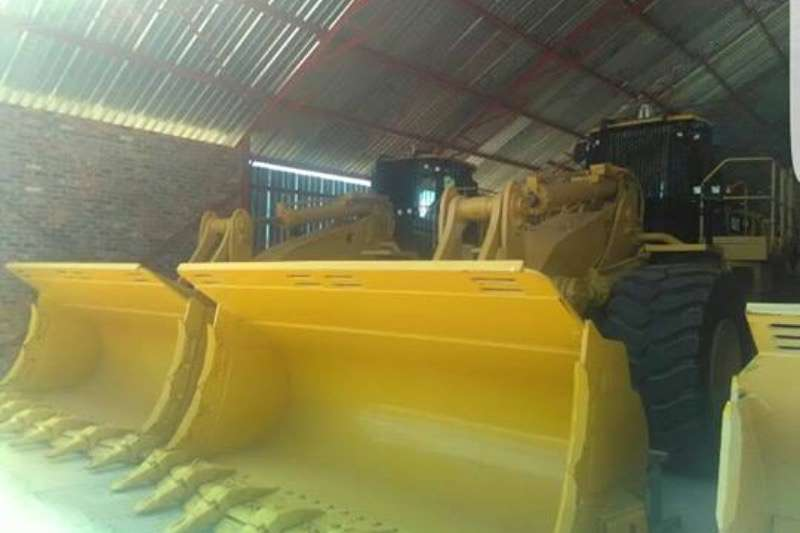 Caterpillar Caterpillar 988H,Front End loader two available FELs