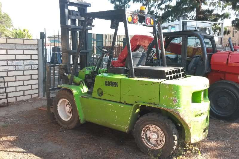 Forklifts Clark Michigan Clark 4.5 ton 0