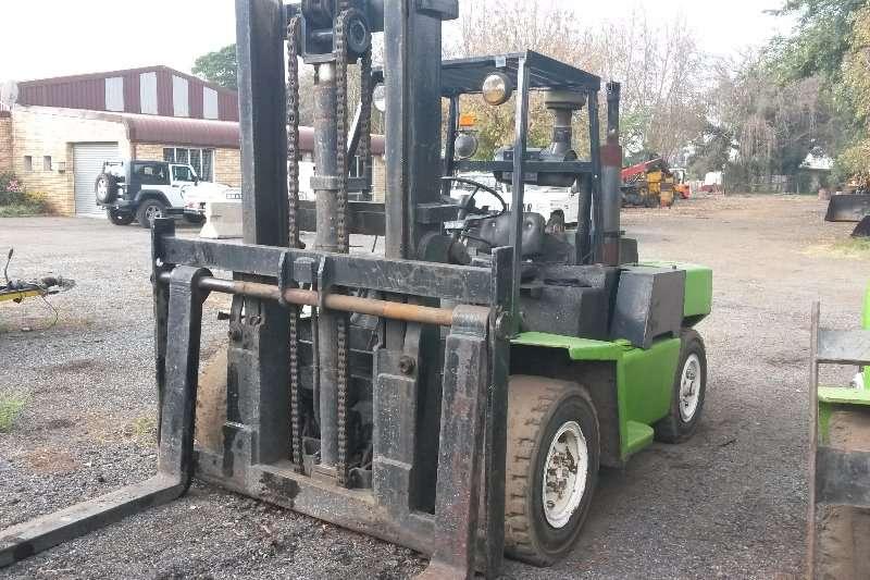 Clark Michigan Clark 7 ton forklift Forklifts