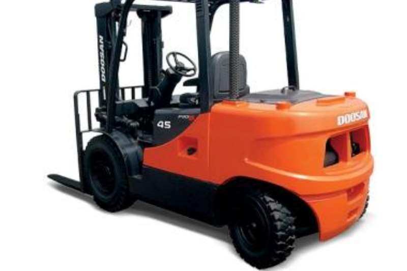 Doosan 4 Ton Diesel 3 stage container mast to 4.3m Forklifts