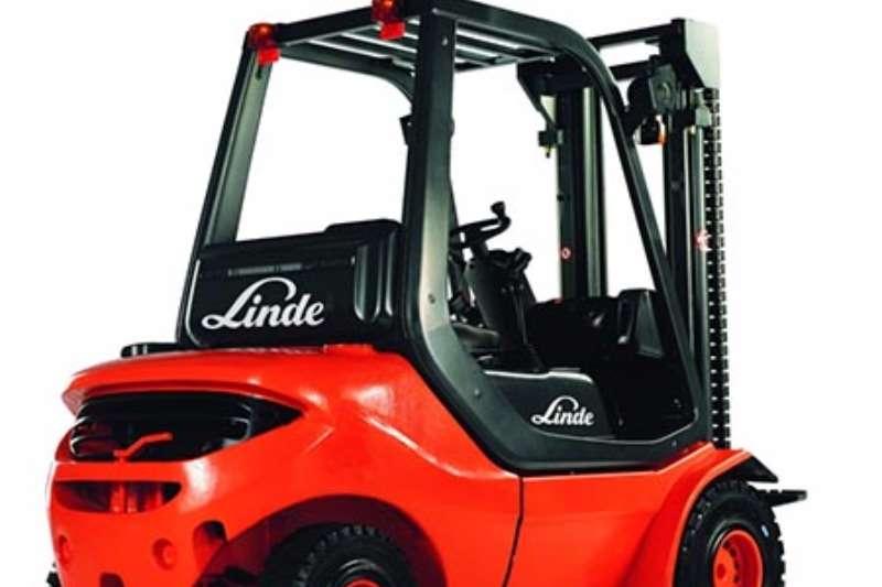 Forklifts Linde Diesel Forklift Linde 2.5 ton 2011