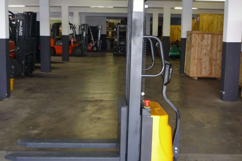 Other Electric forklift 1TON SEMI ELECTRIC STACKER CDD10B Forklifts
