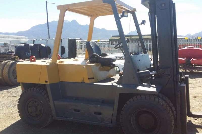 TCM Diesel forklift 6 Ton Forklifts