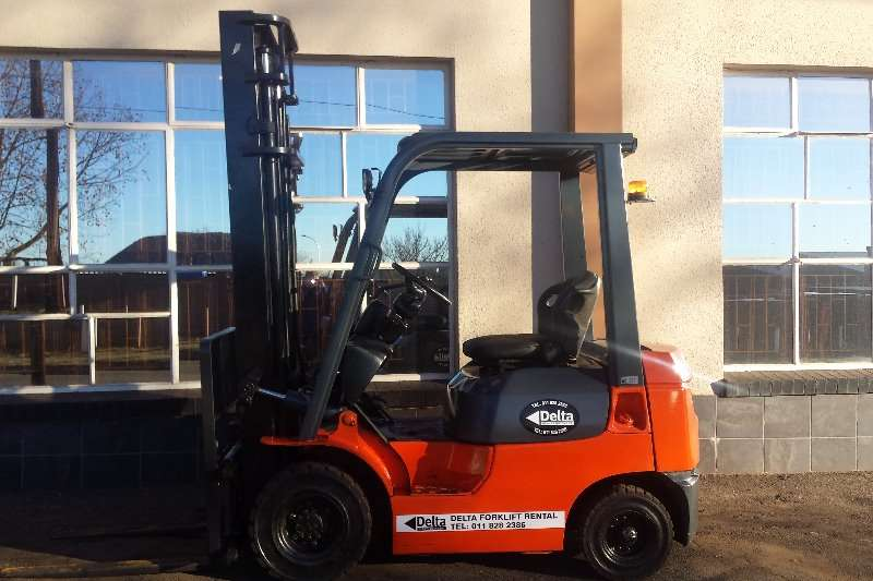 Forklifts Toyota 02-7FD18 - 7 SERIES 2004