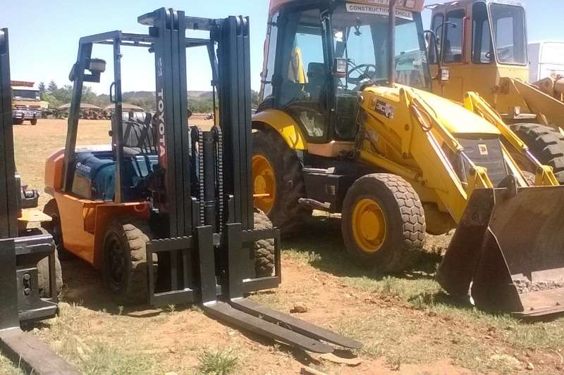 Toyota 3.5 ton High Mast Forklifts