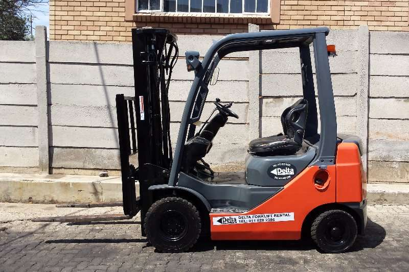 Forklifts Toyota 8FD18 - 8 SERIES 2007