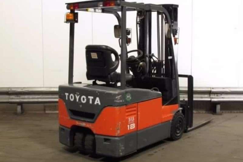 Forklifts Toyota Diesel Forklift 1.8 Ton 3 wheel electric forklift 7FBE18 2011