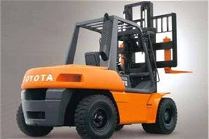 Toyota Landcruiser Diesel forklift 4 ton diesel 4.3m Lift, 3 Stage Container Mast Forklifts