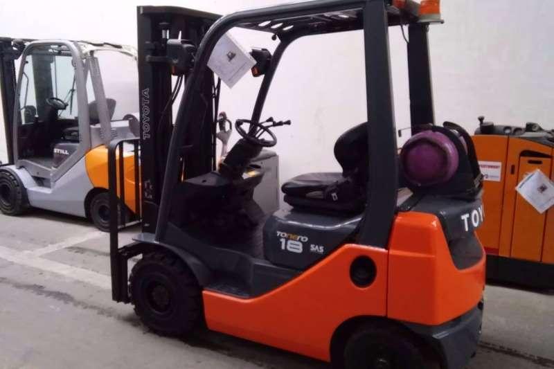 Toyota Petrol forklift 2.5 Ton Forklift/Petrol/GAS Toyota 8FG25 Forklifts