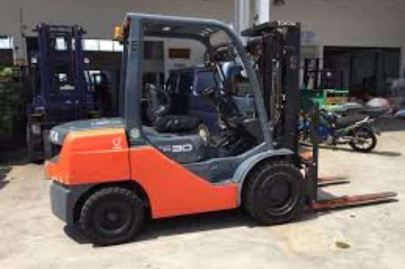 Toyota Petrol forklift 3.0 Ton Forklift/Petrol/GAS Toyota 8FG30 Forklifts