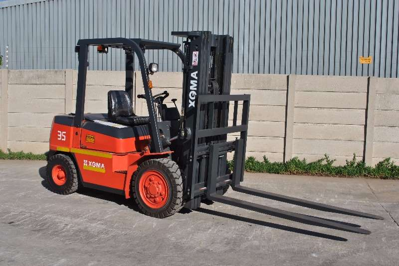 XGMA XG535 (2 stage 3m) Forklifts