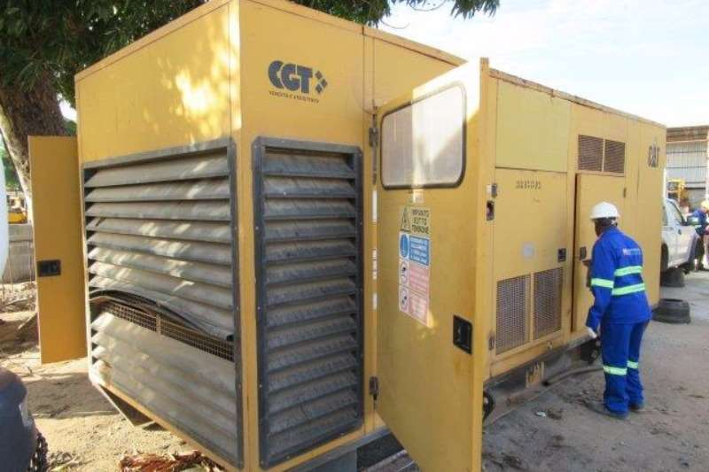 Generator Other Caterpillar 900F, 900 kVA Generator Set 2006