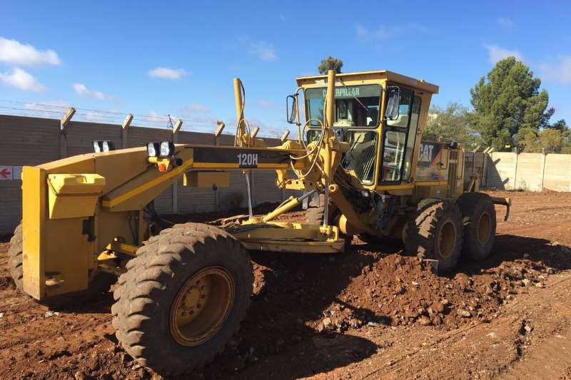 Graders Caterpillar 120H 2009