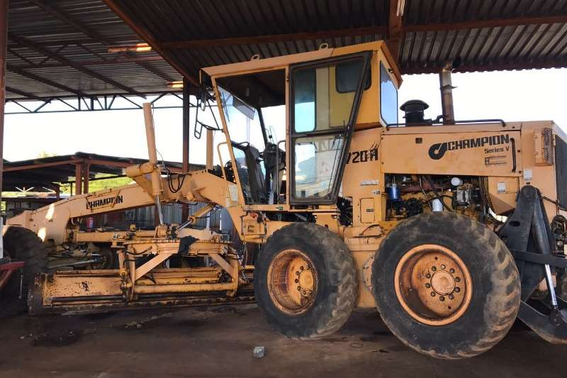 Champion 720 a series Graders
