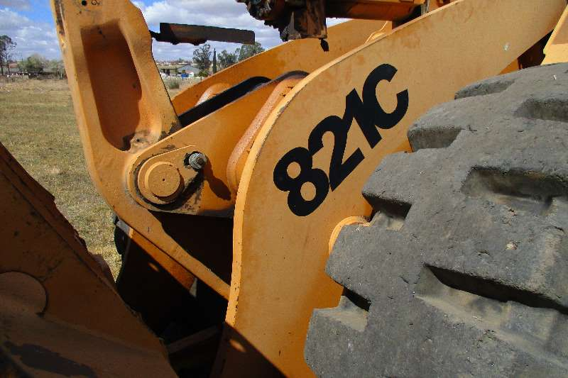 Case 821 C Loaders
