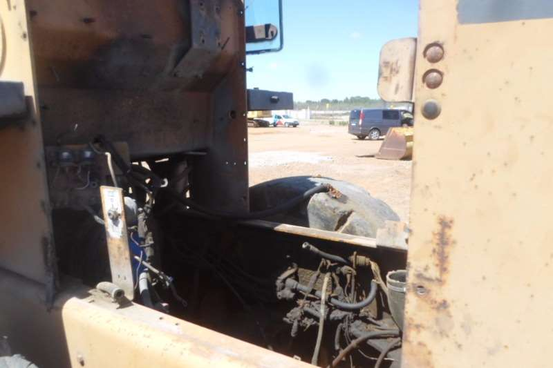 Case CASE 621C Breaking for parts JEE0123595 Loaders