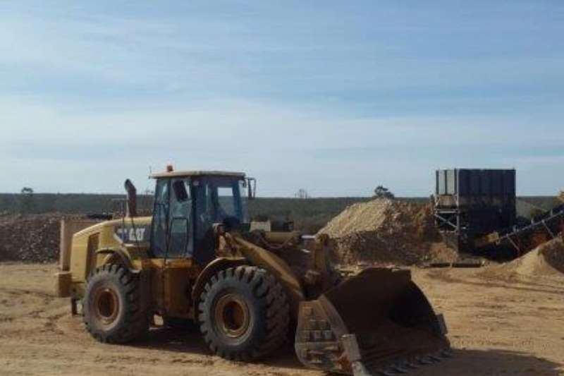 Caterpillar Loader 966H In good working condition Loaders