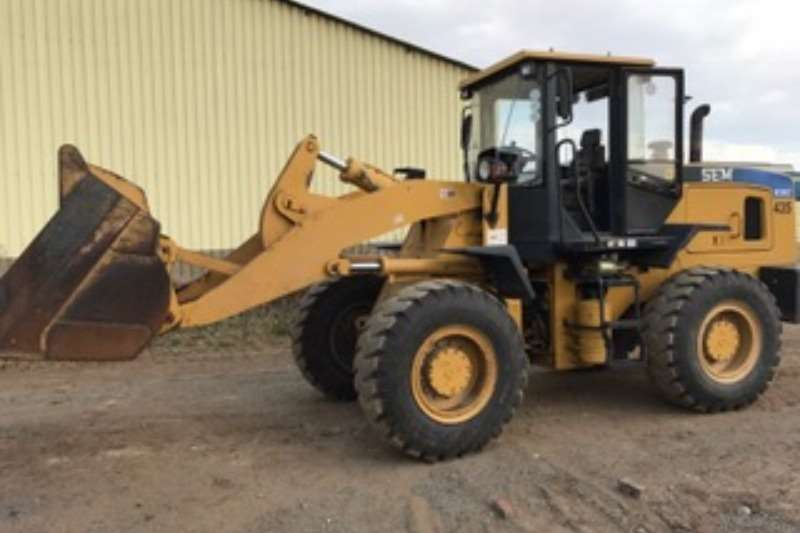 SEM 639B and C Wheel Loader Loaders