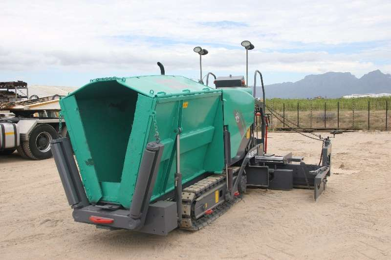 ADE Vogele Super 800 Paver, full re-furb Others