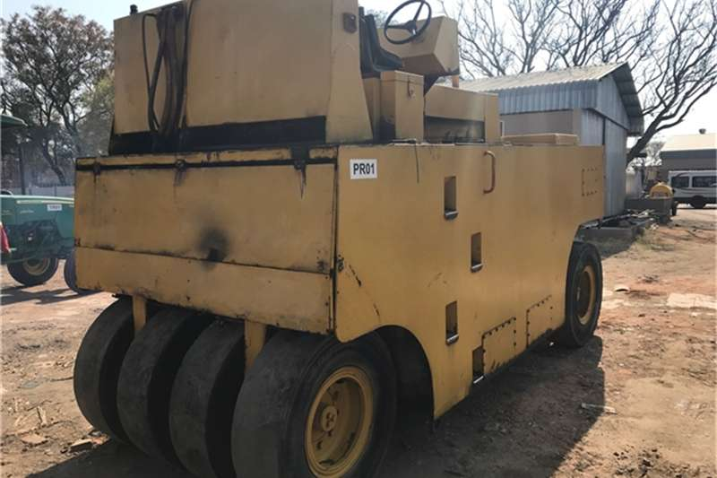 Ingersoll Rand 27 TON PTR ROLLER Others