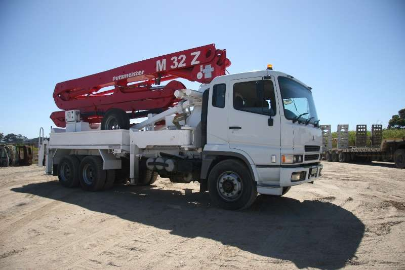Mitsubishi Mitsubishi Fuso Truck with Putzmeister BSF 3209 Others