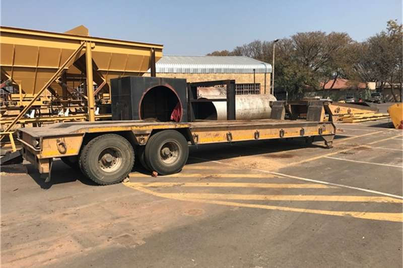 Pieterse ENGINEERING DOUBLE AXLE FOLDING GOOSENECK LOWBED Others