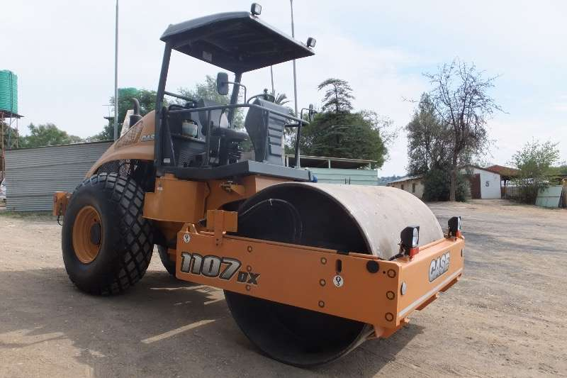 Roller Bitelli New Case 1107 DX Smooth Drum Roller 2016