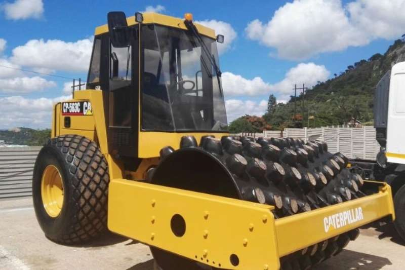 Roller CAT CP 563 12 Ton Padfoot Roller 1998