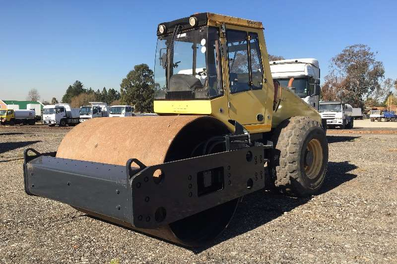 Bomag 2005 Bomag smooth drum roller Rollers