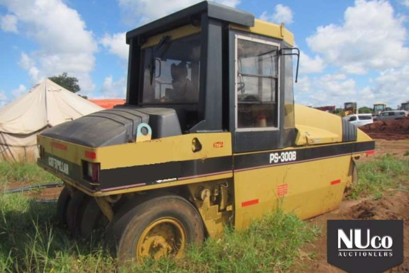 Caterpillar CAT PS-300B PNEUMATIC ROLLER Rollers