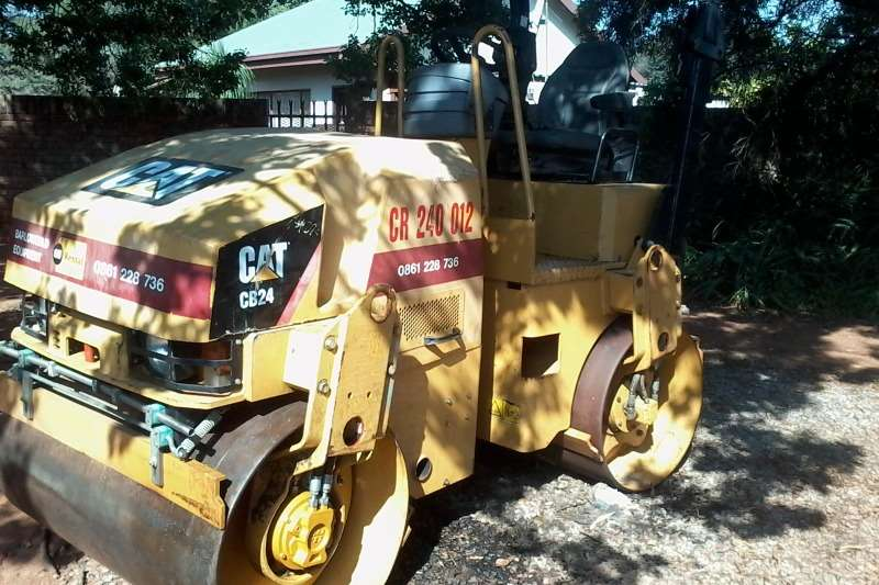 Caterpillar CB24 Rollers