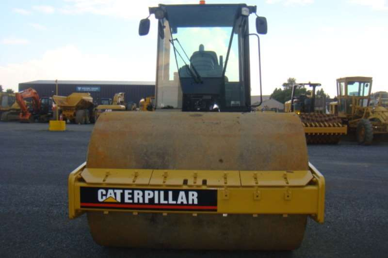 Caterpillar CS533E Rollers
