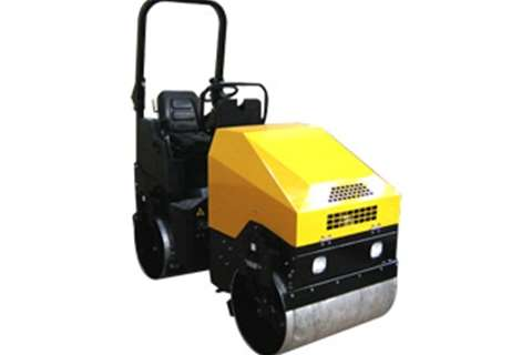 Perkins 1700kg Diesel Sit on Roll Rollers