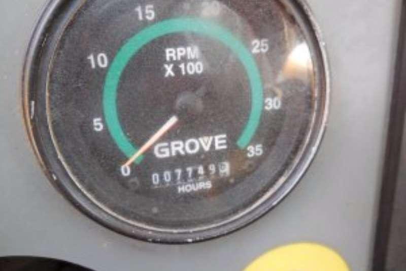 Grove RT530E-2 ROUGH TERRAIN CRANE Rough terrain crane