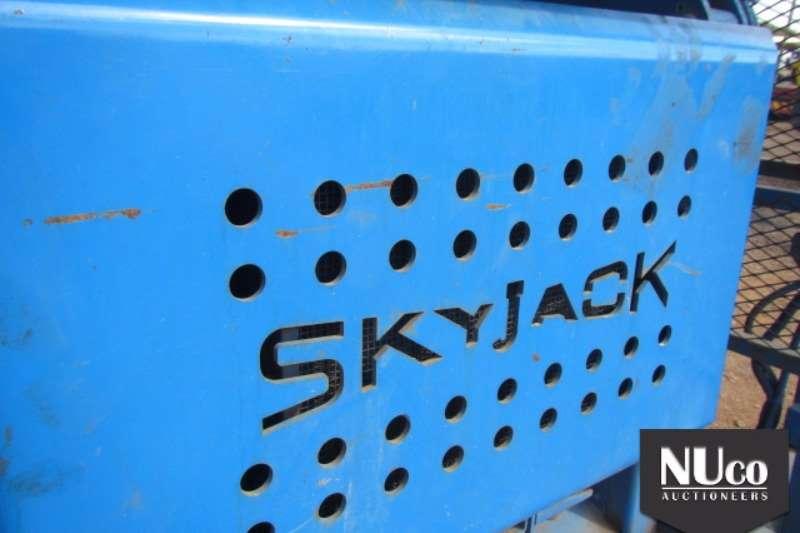 SKYJACK SCISSOR LIFT Scissor lifts
