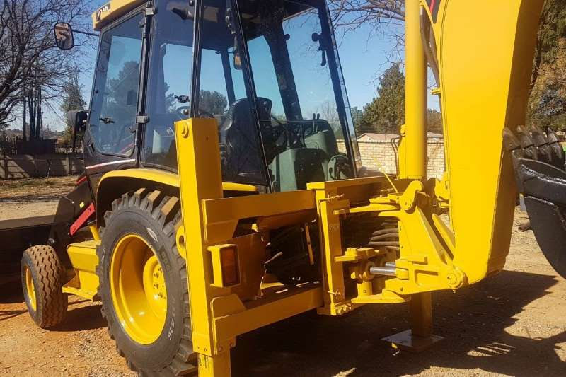 TLBs Caterpillar 424D 2X4 2006