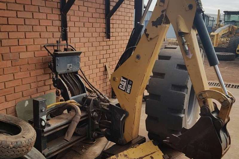 TLBs Caterpillar Caterpillar BH30 backhoe attachment for hi-flo ski 2015