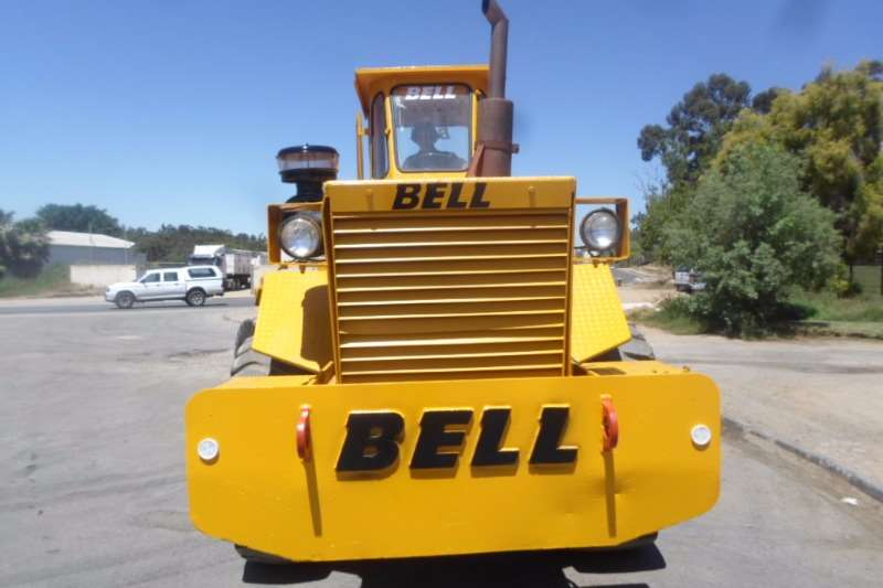 Bell BELL 2056L4 Haulermatic Articulated Tractor 4x4 Tractors - towing