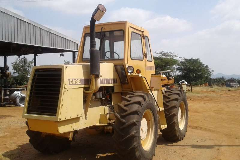 Case 2470 Tractors - towing