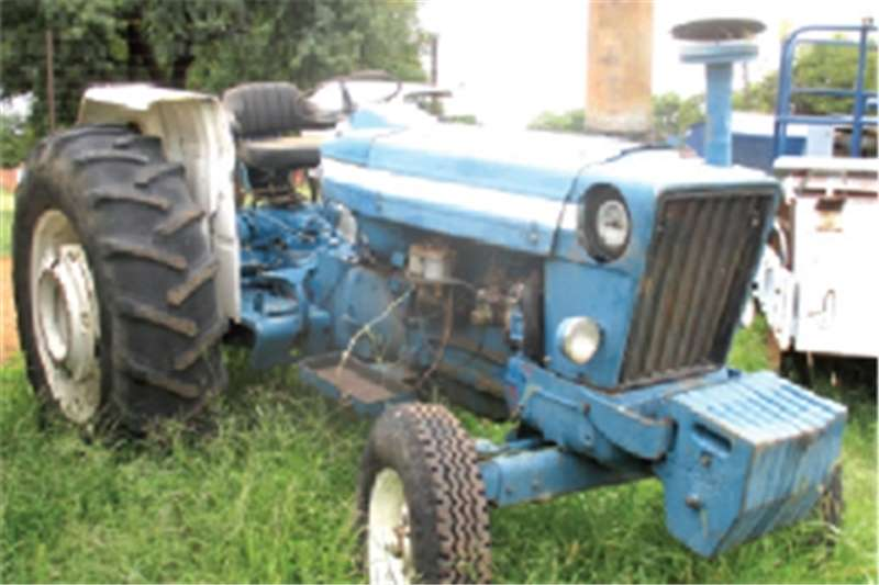Ford 7600 Tractors - towing